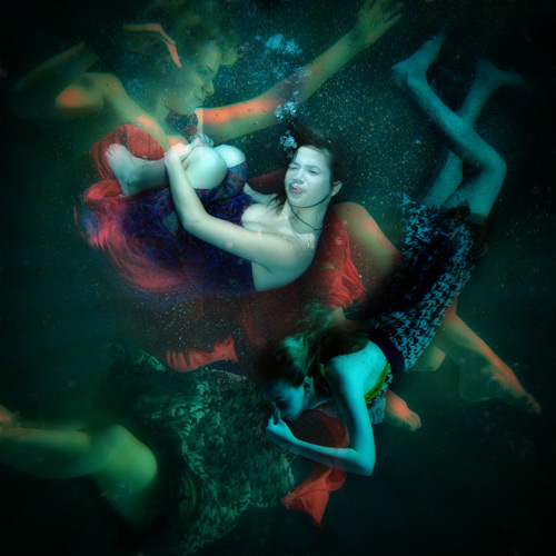 Under water pool shoot